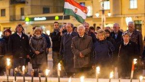Fáklyás felvonulással ünnepelt a Fidesz
