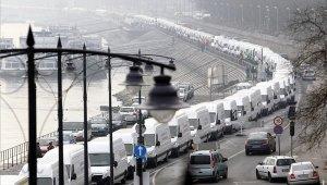 Újbudán is demonstráció lassítja a közlekedést